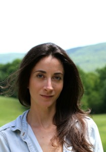 Interview with writer Lauren Oliver by Nicole Melanson - photo by Charles Grantham