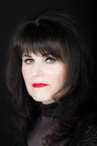 Interview with writer Kate Mayfield by Nicole Melanson - photo by Daniel Regan