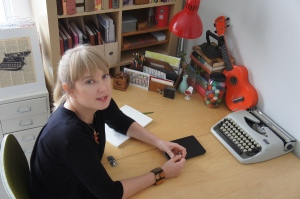Interview with writer Annabel Smith by Nicole Melanson - photo by Eko Pam