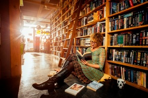 Leah Kaminsky in a bookstore - photo by Nicola Bernardi