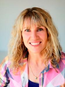 Interview with writer Kirsty Eagar by Nicole Melanson - photo by Carol Gibbins